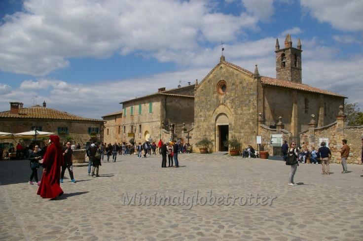 monteriggioni piazza 2