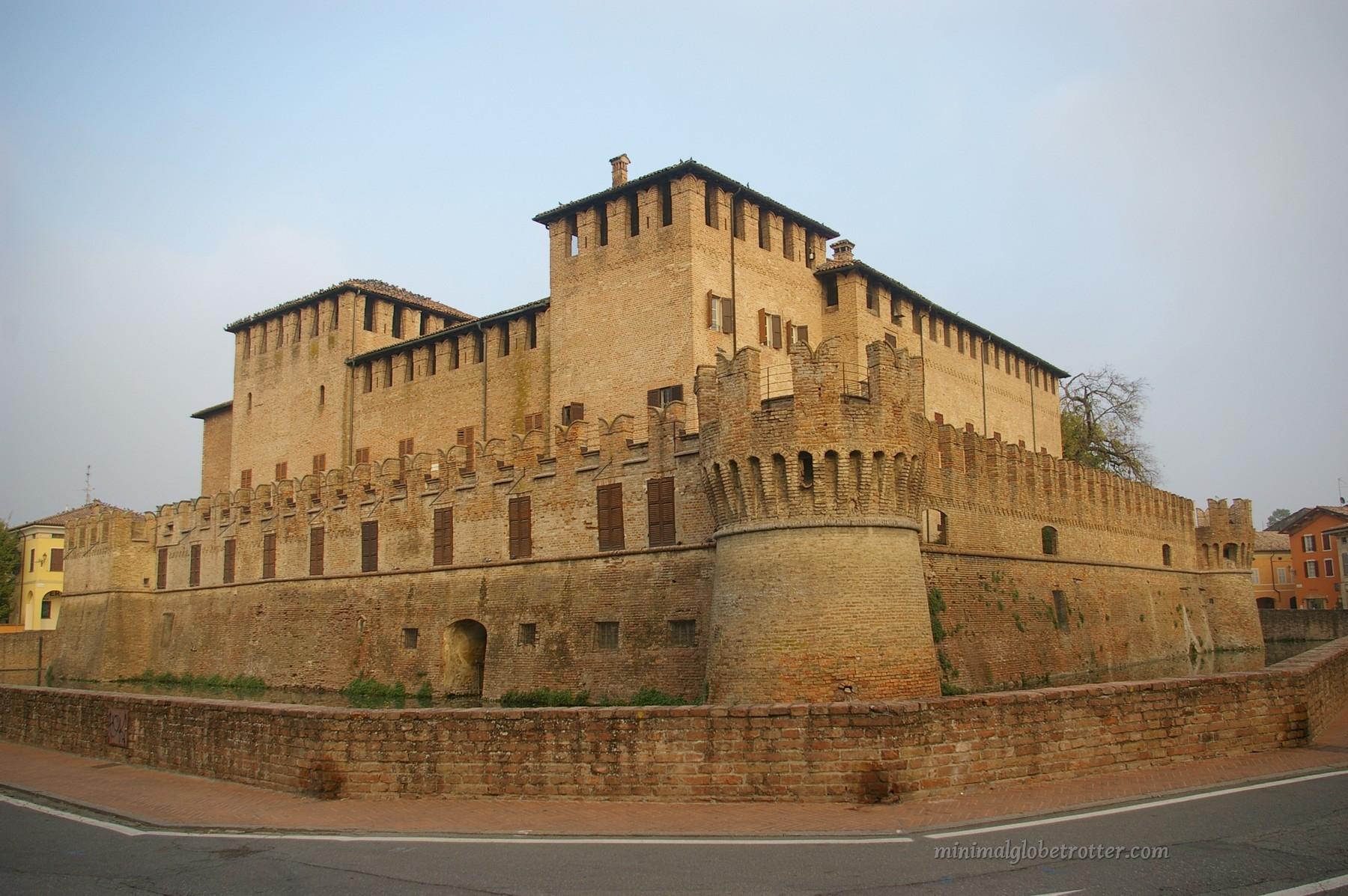 Castelli di Parma e Piacenza rocca San Vitale Fontanellato