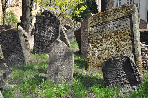jewish-cemetery-3328949__340