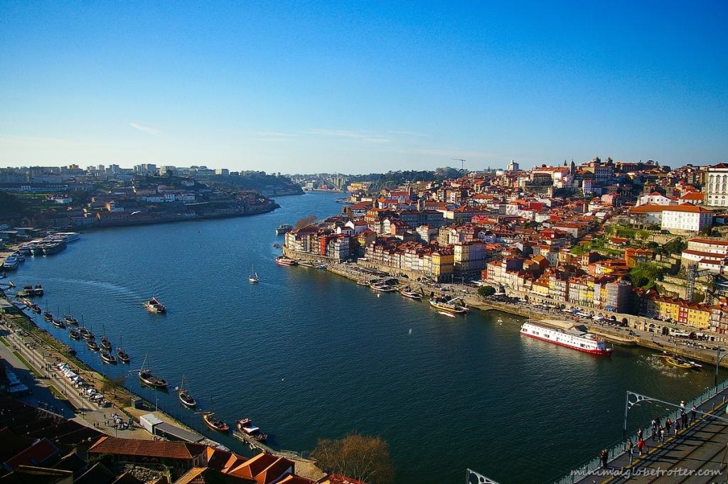 Città di Porto panoramica sul fiume Douro