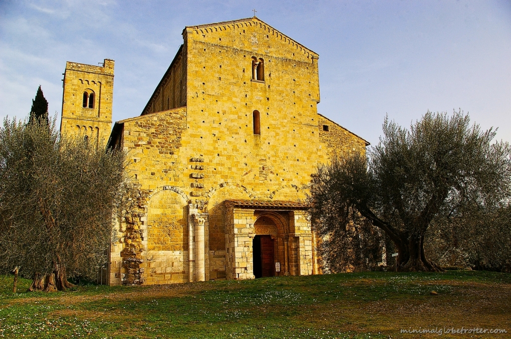 Abbazia Sant'Antimo Siena - Facciata